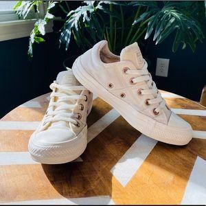 Converse Chuck Taylor All Star White Sneaker Sz 6